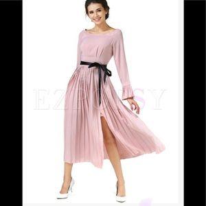 Elegant flare sleeve pleated dress